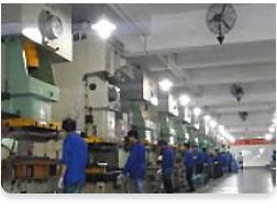 スタンピング生産工場